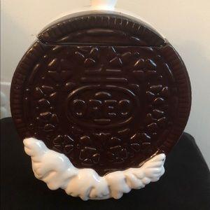 Ceramic Oreo cookie jar 🍪
